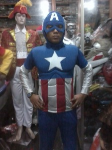 Kostum Karakter